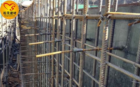郑州松茂建材介绍关于剪力墙止水螺杆的安装